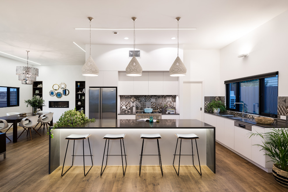 Undercover-Architect-White-Pebble-House-Modernist-Kitchen